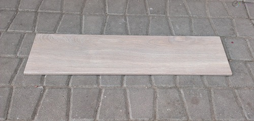 drewnopodobna płytka łazienkowa