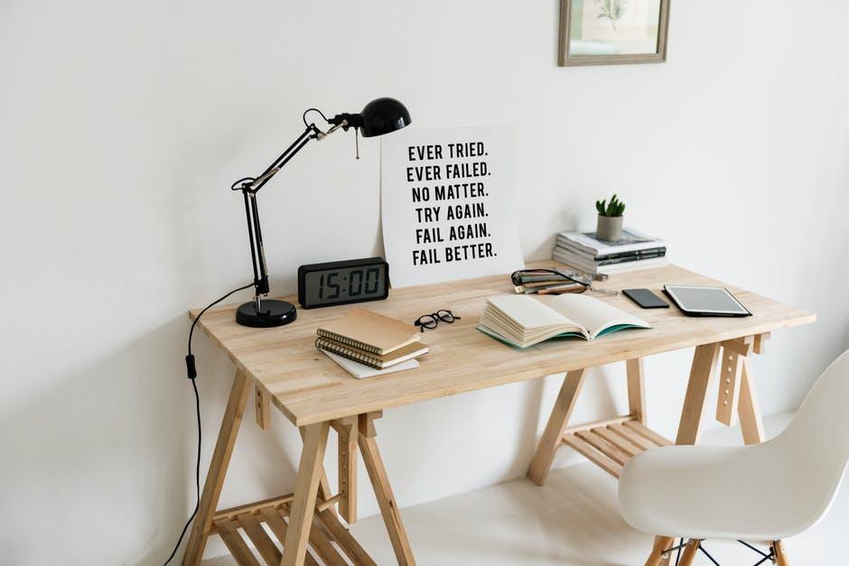 Gdzie można się udać po stylowe biurka?