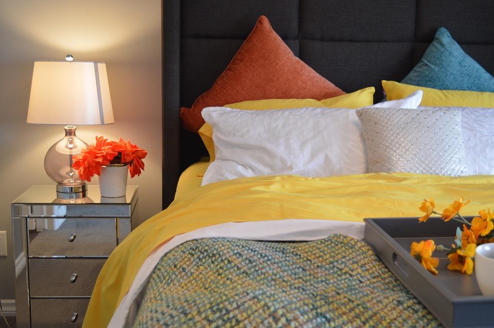 Przydatny mebel w każdej sypialni