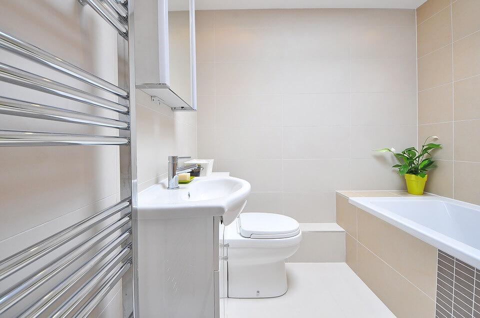 Postaw na nowoczesne grzejniki łazienkowe